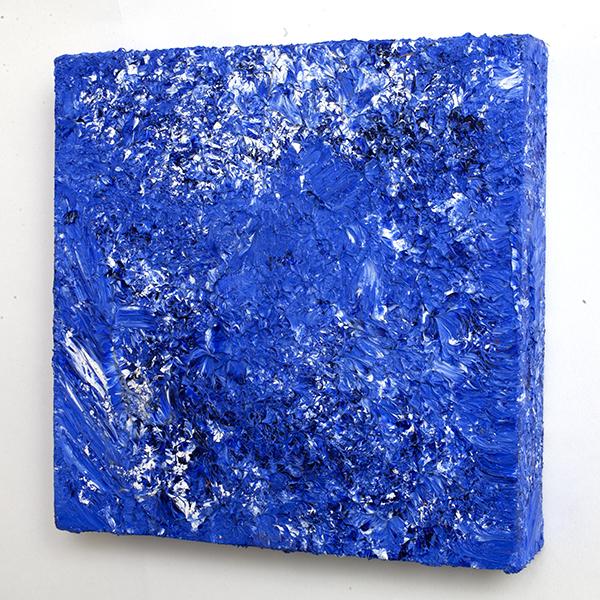 bluewhite003side