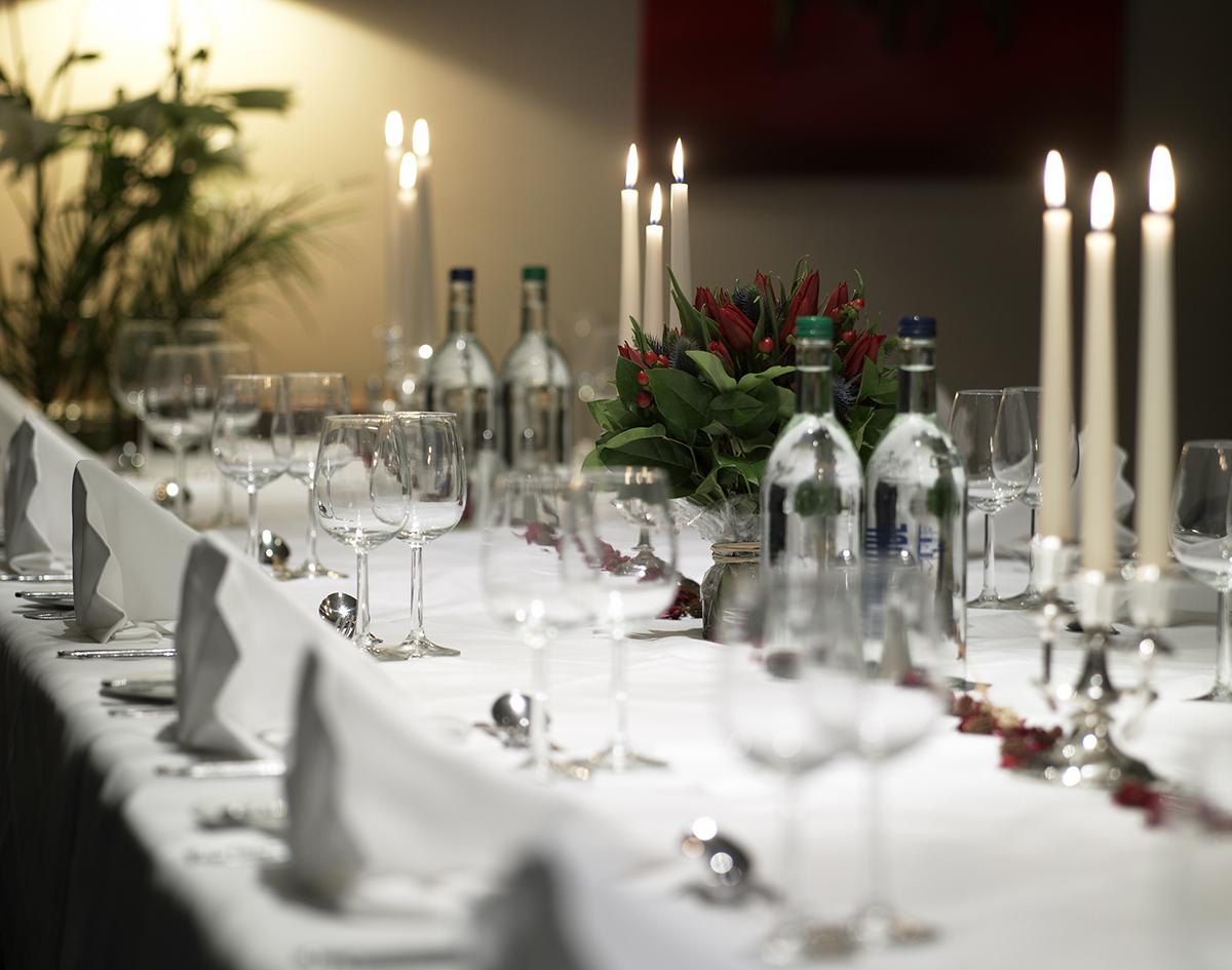 long-dinig-table