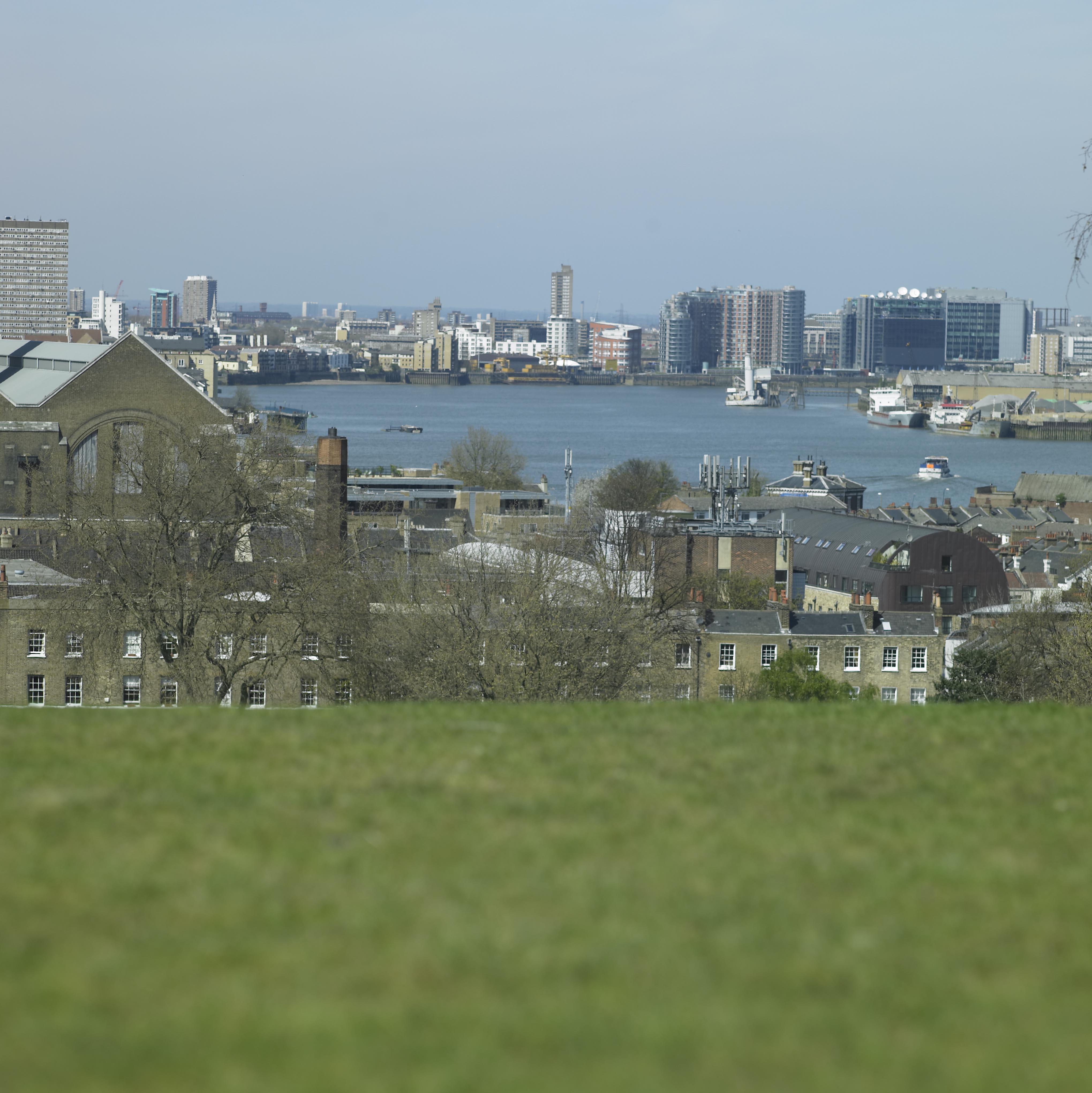 Sunny Greenwich 47